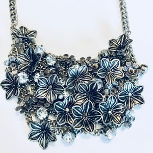 Forever 21 Jewelry - Floral chainmail bib necklace
